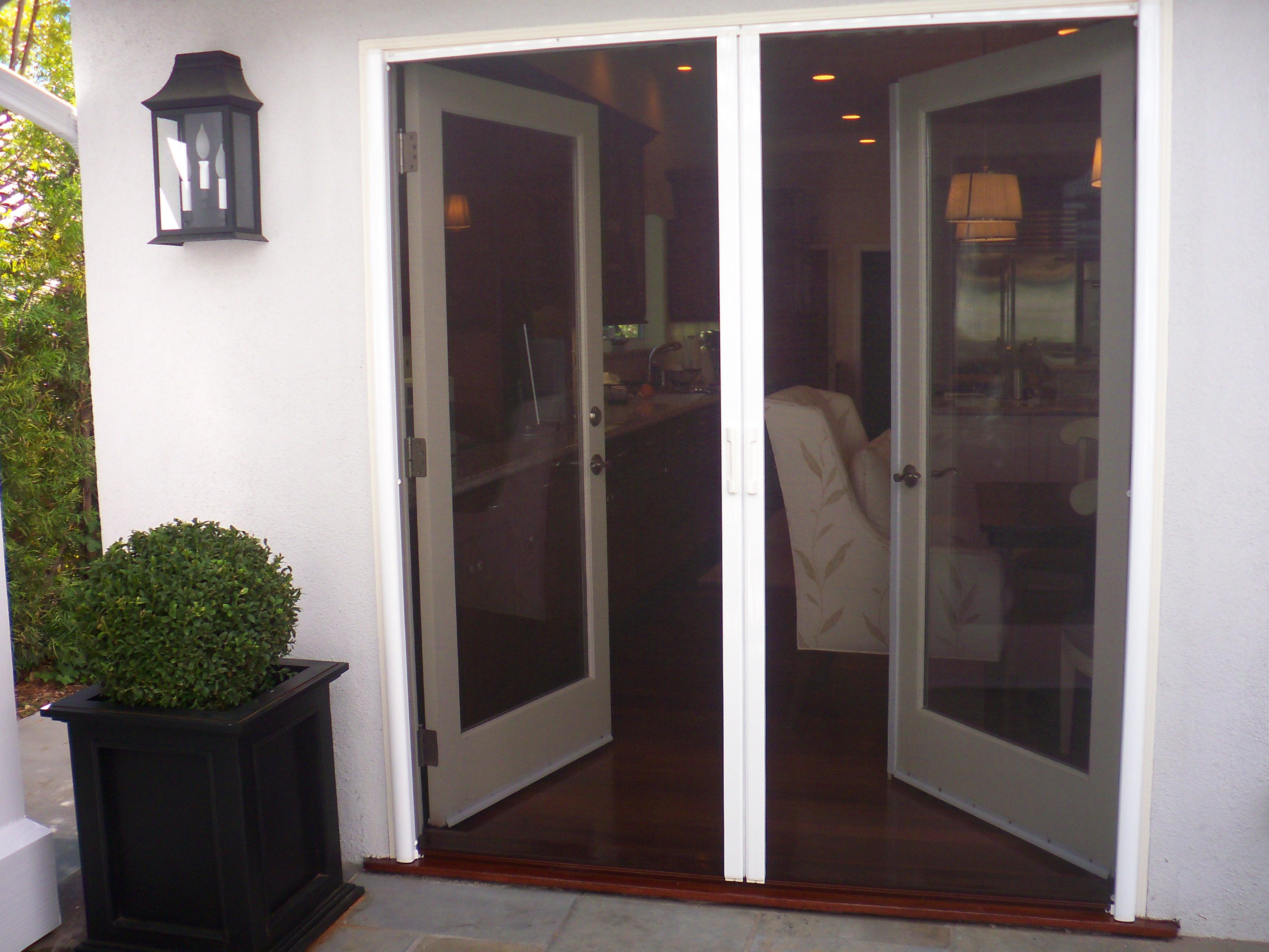 Retractable screens on french doors in sherman oaks for Folding screen door